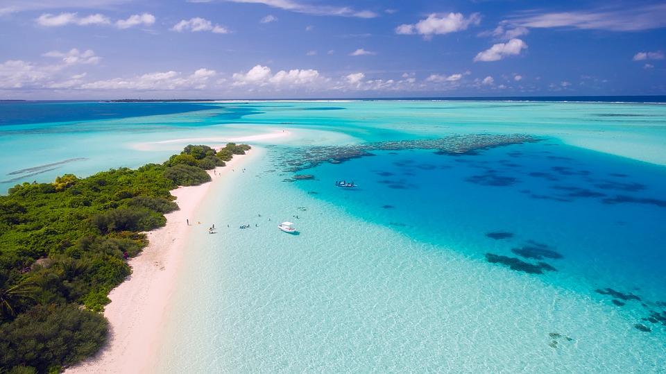 summer-maldives-triplisters